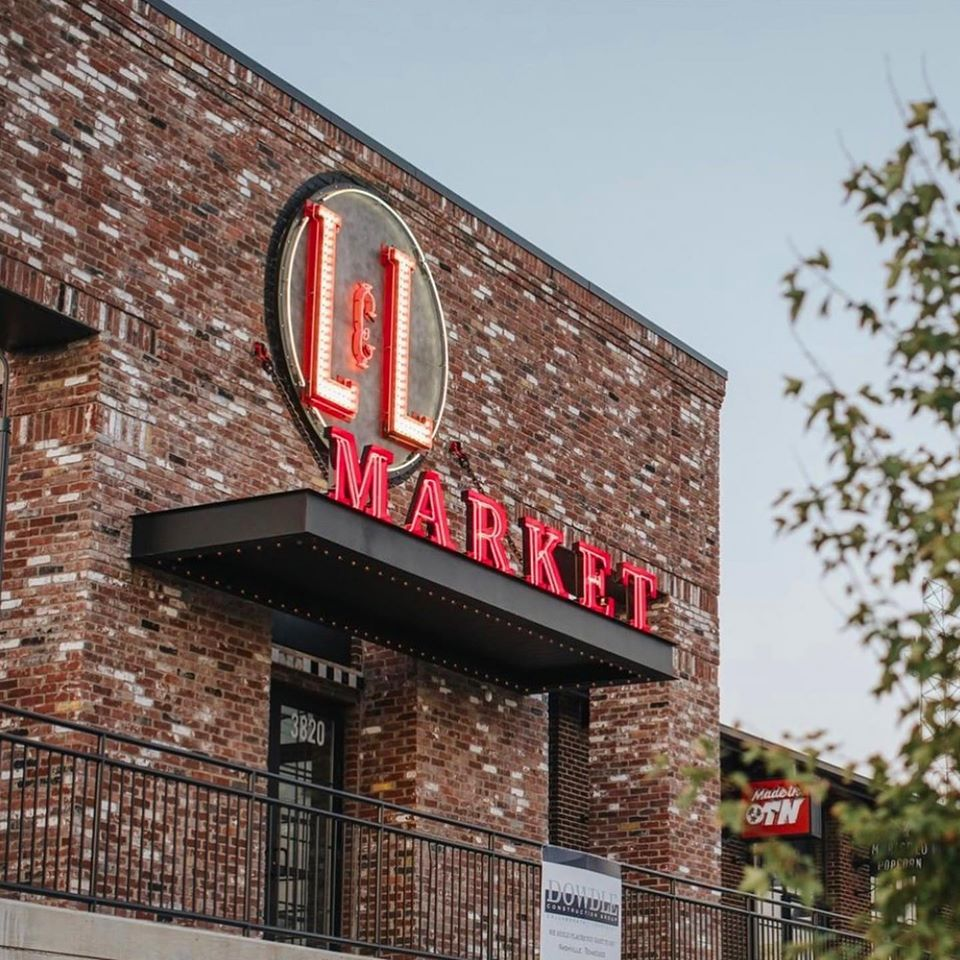 L&L Market Front Sign